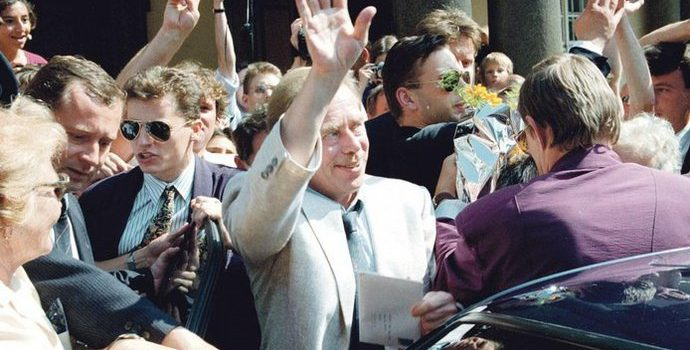 Nezvolení Havla prezidentem před 25 lety předznamenalo rozpad Československa