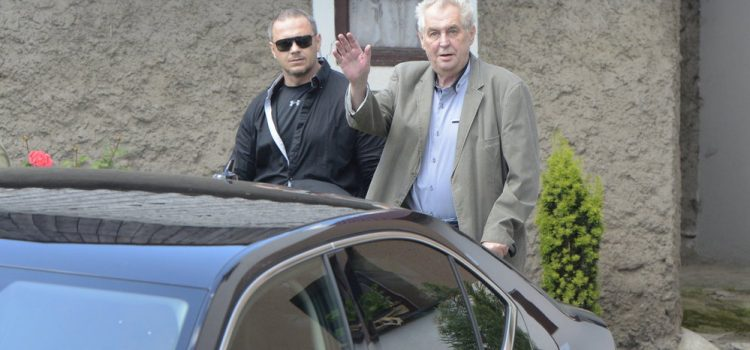 Odstoupí Miloš Zeman z prezidentské volby? Zdeněk Škromach možná opět rozvlní stojaté vody ve svém bazénku
