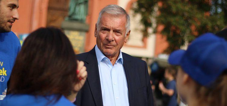 Vratislav Kulhánek je oficiálním uchazečem o funkci prezidenta. Listinu s kandidaturou již odevzdal ministerstvu vnitra.