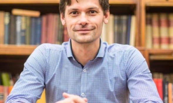 Marek Hilšer získal podporu senátorů, dnes odevzdal svou kandidátní listinu