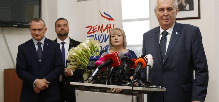 Podle průzkumu CVVM bude Miloše Zemana volit až 34 procent oprávněných voličů. Dokonce i sázkové kanceláře přijímají nejvíce sázek na jeho vítězství.