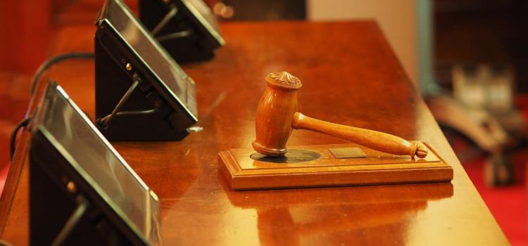 Nejvyšší správní soud má na stole další žalobu. Tentokrát na zrušení prezidentské kandidatury u pěti uchazečů.