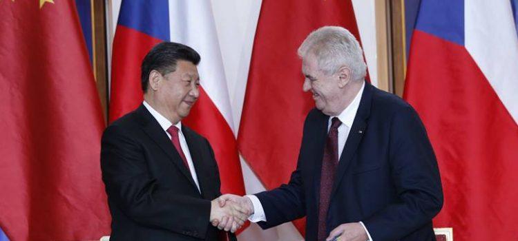 Prezident Zeman opět navštíví Čínu, chystá se na veletrh importérů