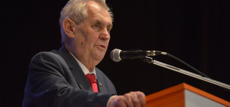 Zeman: Babiše jmenuji premiérem znovu, bez ohledu na výsledek referenda ČSSD