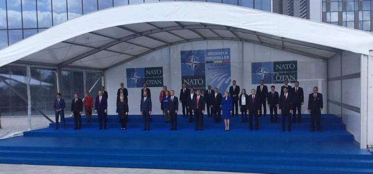 V Bruselu probíhá summit NATO, prezident Zeman varoval před novou studenou válkou