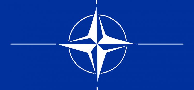 Zeman míří do Bruselu na summit NATO, doprovázet jej bude Babiš a Hamáček