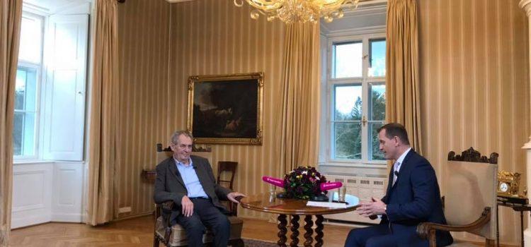"""Prezident v rozhovoru hodnotil svých šest let na Hradě. """"Občas mi ujede nějaké to slovo,"""" připustil"""