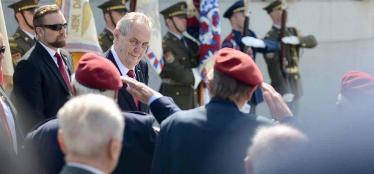 Prezident Zeman a další politici si na Vítkově připomněli výročí konce druhé světové války