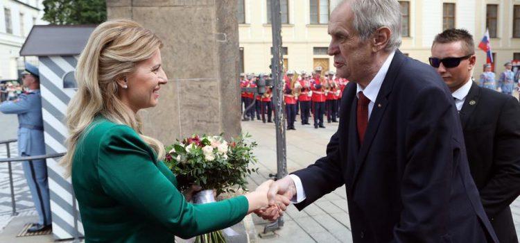 Prezident Zeman na Hradě přivítal novou slovenskou prezidentku Zuzanu Čaputovou