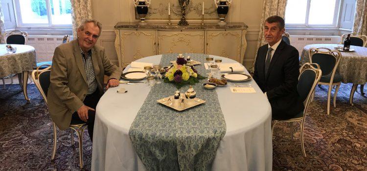 Prezident se v úterý v Lánech přijme premiéra Babiše, budou řešit spor o ministra kultury