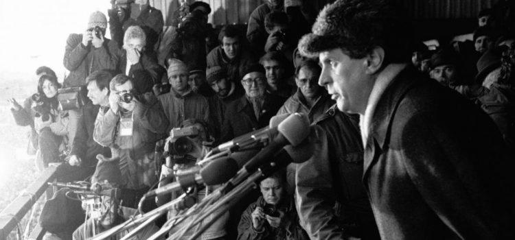 """Před 30 lety Zeman mluvil na Letné, letošní akci označil za """"shromáždění neúspěšných"""""""