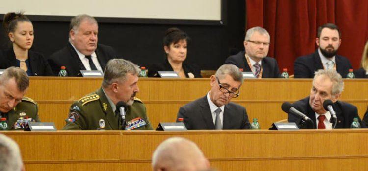 Prezident promluvil na velitelském shromáždění náčelníka Generálního štábu Armády ČR