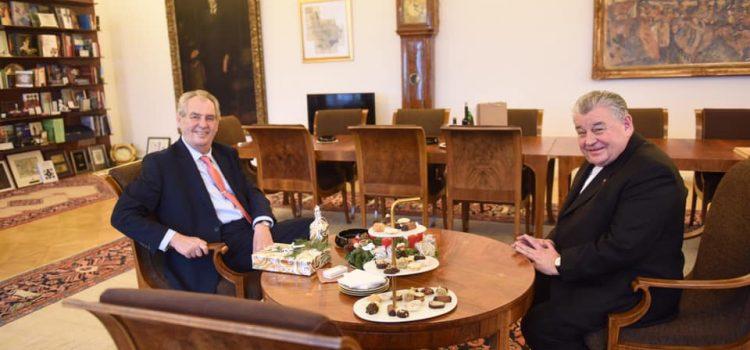 Prezident na Hradě přivítal kardinála Duku na tradiční předvánoční návštěvu