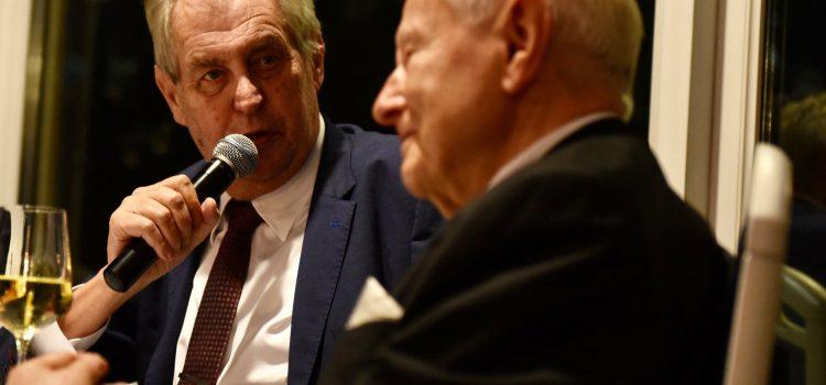 Prezident se zúčastnil oslavy 90. narozenin exministra průmyslu Miroslava Grégra