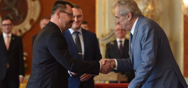 Prezident Zeman jmenoval předsedou Vrchního soudu v Praze Luboš Dörfla