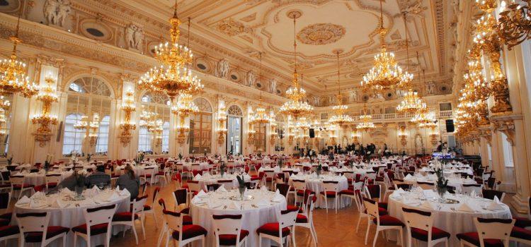 Prezidentský pár dnes pořádá charitativní reprezentační ples na Pražském hradě