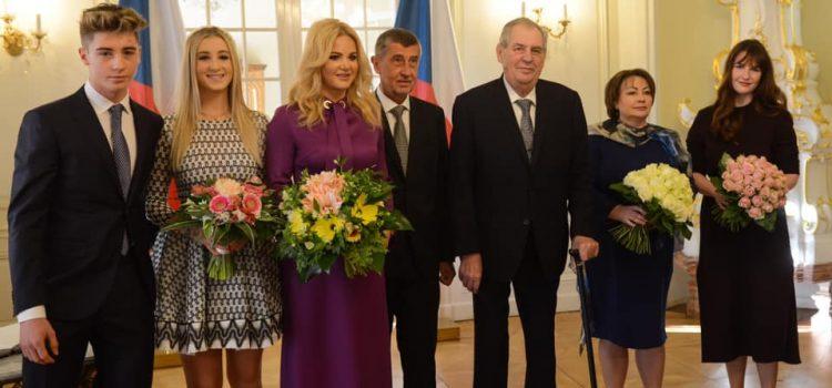 K novoročnímu obědu v Lánech se letos Zeman a Babiš sešli i s rodinami