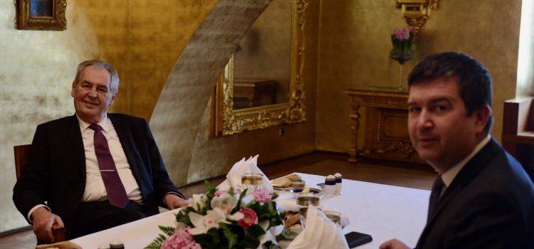 Prezident poobědval s předsedou ČSSD Hamáčkem, společné obědy budou každý měsíc